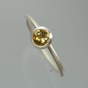 1 Stapelring 925 Silber mit gelbem Citrin