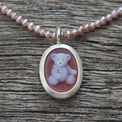 925 Silber Anhänger mit Teddybär Gemme an Perlkette