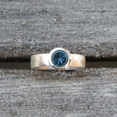 Solitär Topasring 925/- Silber blauer Topas