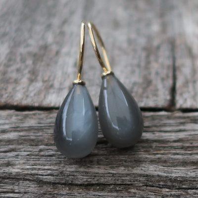 750 Ohrringe mit grauen Mondstein Tropfen