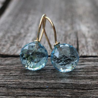 750 Gold Ohrhänger blaue Topas Kugeln 10 mm
